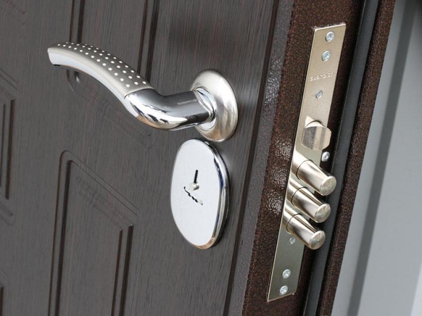 Как выбрать надежную дверную ручку