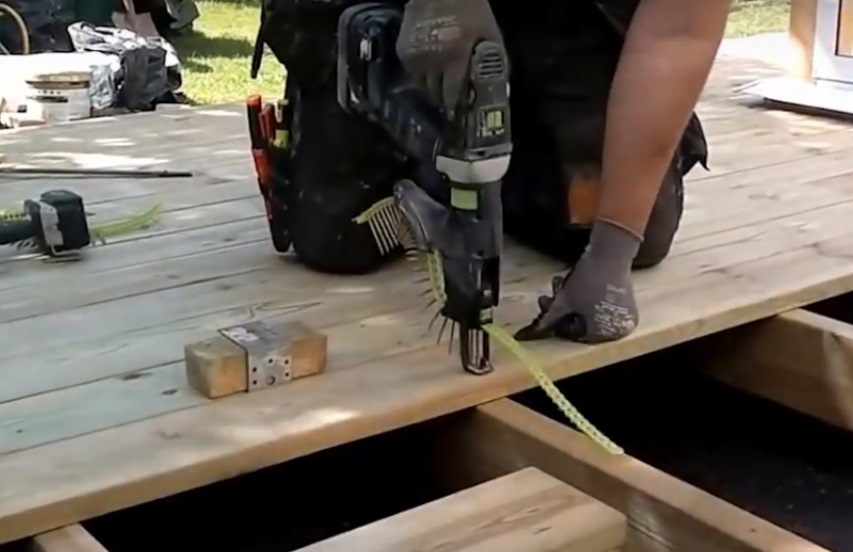 Использование насадки на шуруповерт