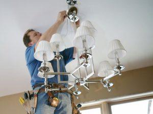 Как подключить люстру с тремя рожками к двухклавишному выключателю