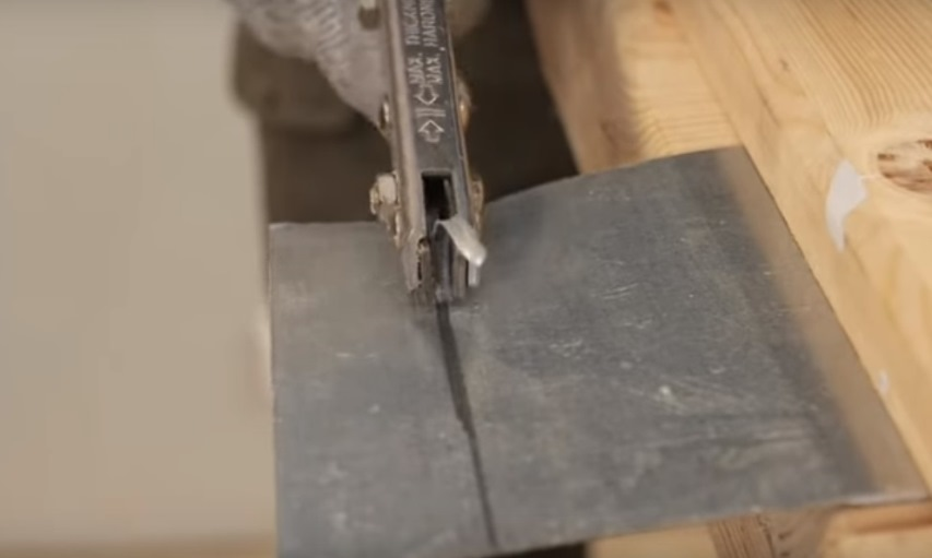 Резка металла просечными ножницами