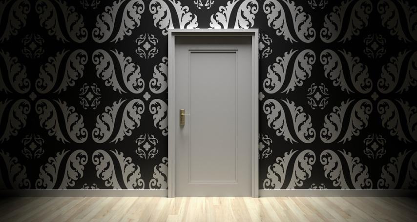 Деформация межкомнатных дверей