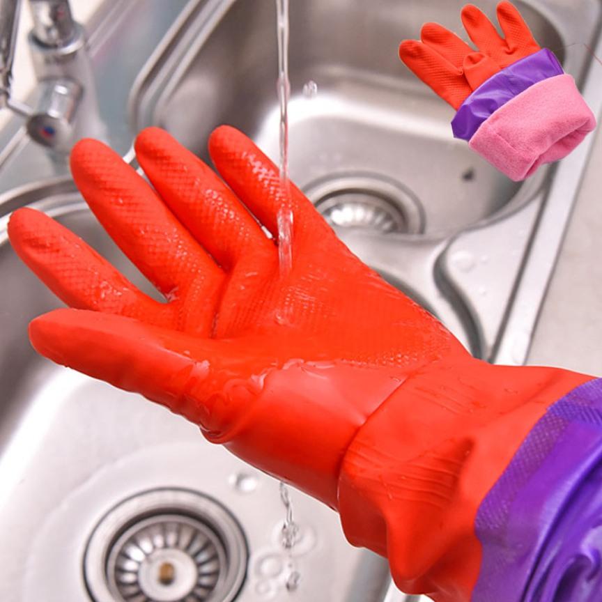 Промываем перчатки после использования