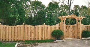 Деревянный забор, идеи оформления