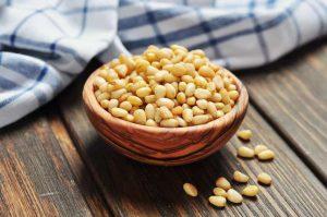 Весеннее оздоровление: кедровые орехи для еды и здоровья