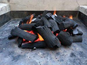 Древесный уголь: как сделать своими руками в домашних условиях