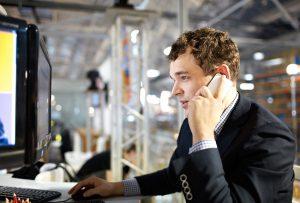 Запрет на разговор по мобильному телефону на предприятиях