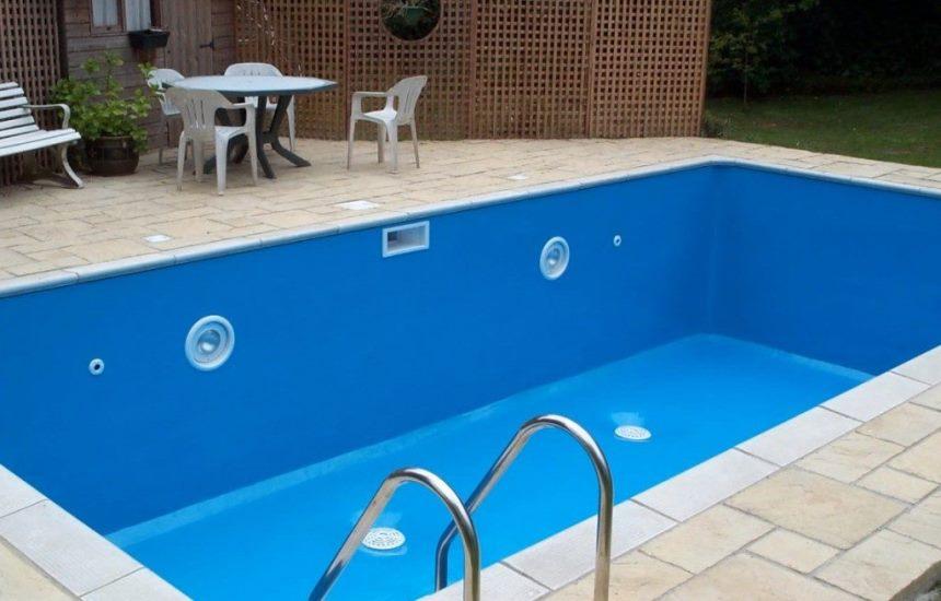 Резиновая краска в бассейне