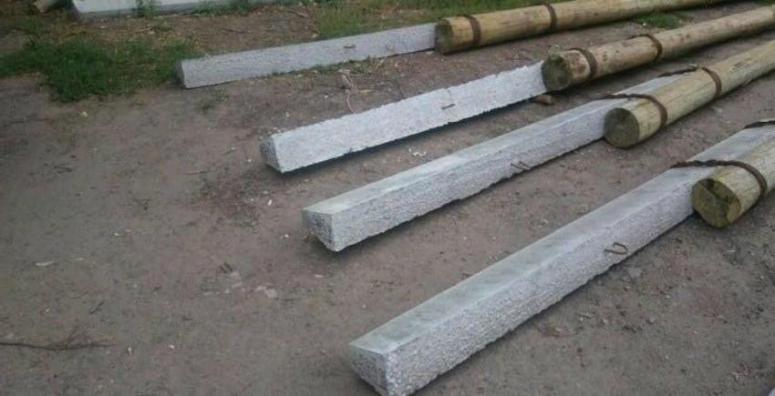 Деревянные электрические столбы