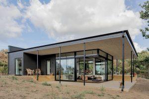 А вы хотели бы купить такой загородный дом?