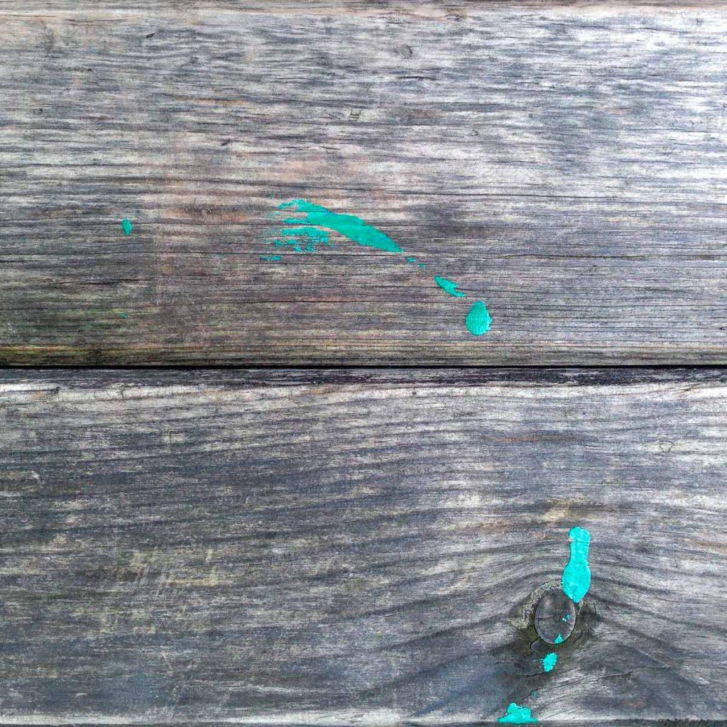 удалить пятна краски с деревянного пола