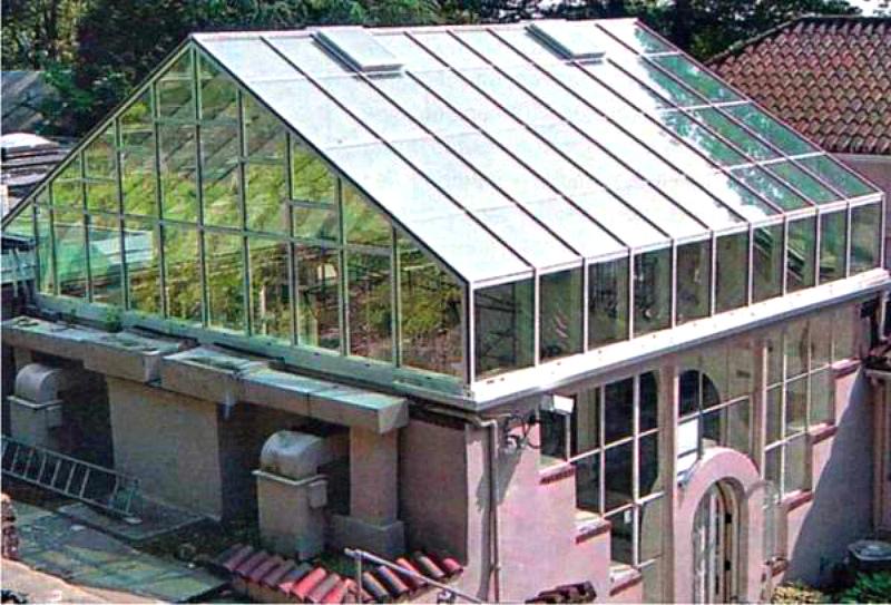 Теплица на крыше частного дома