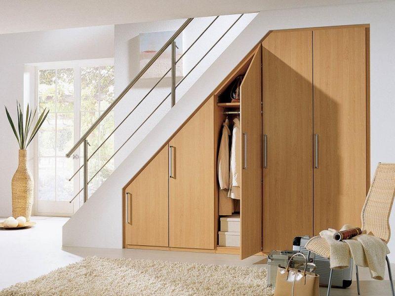 Шкаф под лестницей со створками