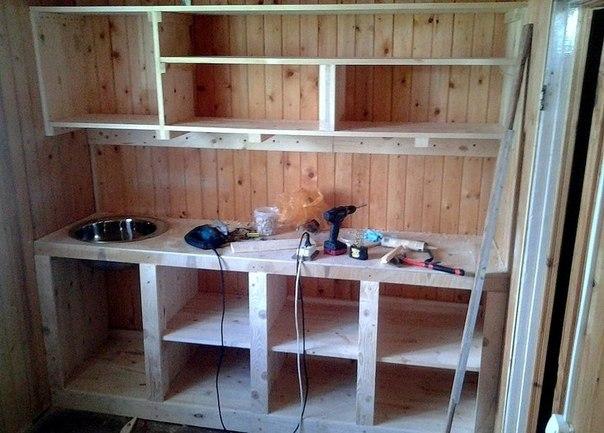 Самодельная кухня из дерева фото