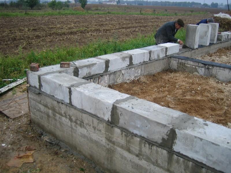Дачный домик из блоков своими руками