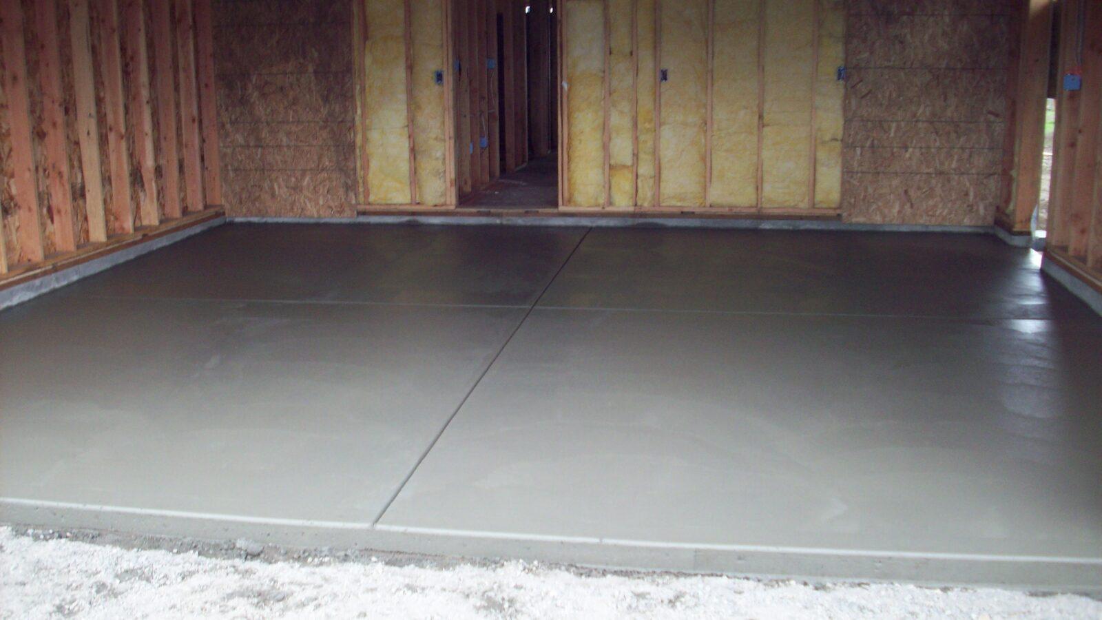 Бетонная стяжка гаража